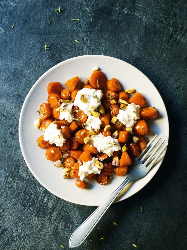 roasted carrots with ricotta and pistachios